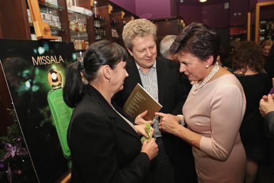 Stanisława Missala prezentuje zapach Missala Qessence podczas 20. urodzin Perfumerii Quality