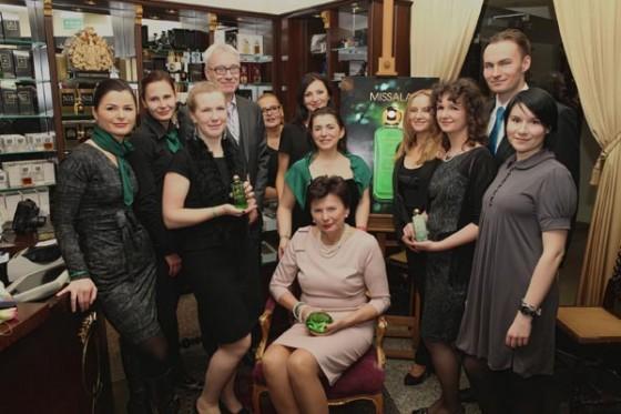 Rodzina Missalów i zespół Perfumerii Quality podczas prezentacji zapachu Missala Qessence