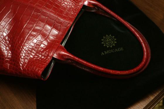 Amouage-torba-czerwona-etui-[blog.missala.pl]