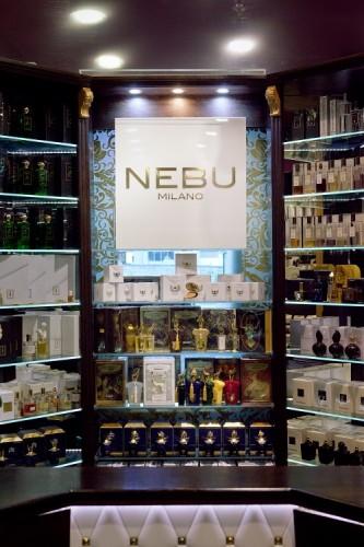 Nebu Milano w Perfumerii Quality Missala_wystawa1